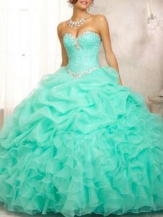 Ball Gown Hjärtformad rmlös Bärlbroderi Volang Organza Satäng Dress