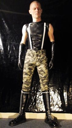 "Skinhead men - leathergearguy ""As I like it ★★★ "" Skinhead Men, Skinhead Boots, Latex Men, Skin Head, Comfy Pants, Rave Wear, Men Style Tips, Super Skinny Jeans, Sexy Men"