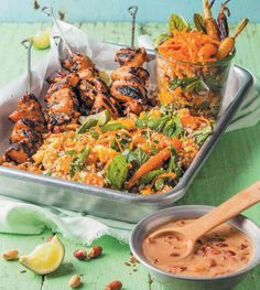 Chicken kebabs with peanut sauce and ancient grain salad - rooi rose South African Recipes, Ethnic Recipes, Beer Photos, Grain Salad, English Food, Peanut Sauce, Paella, Pasta Salad, Kebabs