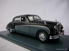 Voiture miniature de luxe de marque Jaguar à retrouver sur http://www.freeway01.com/miniatures-jaguar-xsl-253_283.html