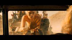 2015年夏、新たなアクション映画の金字塔が生まれる! 最新作のメガホンを取ったのは、シリーズの創始者であり、すべての監督と脚本を務めるジョージ・ミラー。主人公のマックスを演じるのは、メル・ギブソンから、『ダークナイト ライジング』で悪役ベインを演じたトム・ハーディにバトンタッチされ、女戦士役で、シャーリーズ・セ...