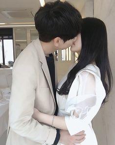 #FollowMe :3 Couple Aesthetic, Sweet Couple, Love Couple, Korean Girl, Korean Couple, Cute Korean, Asian Girl, Couples Coréens, Couples In Love