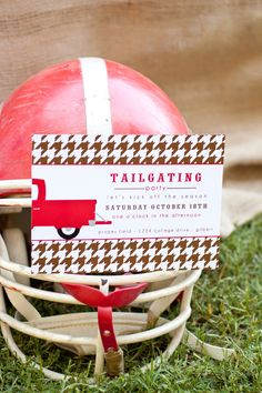 Beautiful Tailgating Invite via The Party Dress #TailgateFever