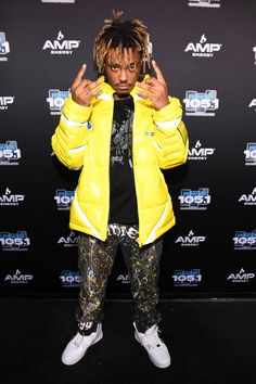 Rapper Juice Wrld Height Weight Body Measurements Shoe Size Age Stats Facts are given in this article along with his family wiki, hair eye color, biography, nationality and girlfriends details. Juice Rapper, Hip Hop, Death Race, Rap Wallpaper, Trippie Redd, American Rappers, British Rappers, Young Thug, Billboard Music Awards