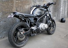Have a look at just a few of my preferred builds - unique scrambler hybrids like this Gs 500 Cafe Racer, Suzuki Cafe Racer, Cafe Racer Build, Cafe Racer Bikes, Cafe Racers, Honda Scrambler, Cafe Racer Motorcycle, Suzuki Gsx, Custom Motorcycles