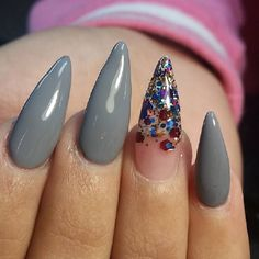 15 Stunning Manicures Embracing The New Stiletto Craze Cute Nails, My Nails, Nail Envy, Stiletto Nails, Manicure, Nail Designs, Sparkle, Polish, Jewels