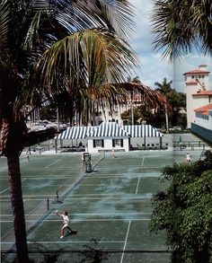 Tennis Courts at Palm Beach's Everglade's Club- January 01, 1968| Credit: Slim Aarons