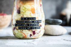 Fermentovaná zelenina Pickles, Wine Glass, Tableware, Dinnerware, Dishes, Pickling, Place Settings, Pickle, Porcelain