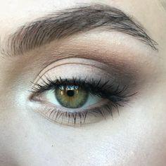 Love these brows simple eyeliner, simple makeup, subtle eye makeup, prom ma Makeup Trends, Eye Makeup Tips, Skin Makeup, Makeup Inspo, Makeup Inspiration, Makeup Ideas, Make Up Looks, Simple Makeup, Natural Makeup