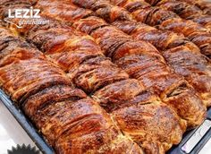 Tel Tel Açılan Haşhaşlı Çörek Banana Bread, Food And Drink, Pork, Meat, Cake, Desserts, Rezepte, Pork Roulade, Pie Cake