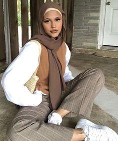Modest Fashion Hijab, Modern Hijab Fashion, Street Hijab Fashion, Modesty Fashion, Hijab Fashion Inspiration, Muslim Fashion, Mode Inspiration, Modest Outfits Muslim, Arab Fashion