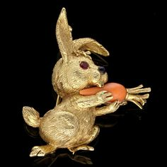 A CHARMING RABBIT BROOCH BY CARTIER, c.1960  The delightful little rabbit…