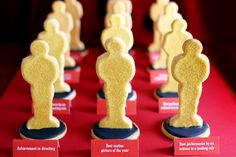 Oscar-shaped sugar cookies. Brilliant for an Academy Awards-watching party.