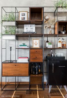 Things That You Need To Know When It Comes To Industrial Decorating You can use home interior design in your home. Room Interior, Interior Design Living Room, Diy Home Decor, Room Decor, Muebles Living, Recycled Furniture, Decoration, Shelving, Sweet Home