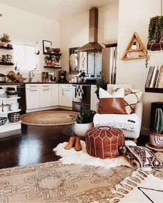Pinterest: @startariotinme One last look at this spot before it cha-cha-changes!!! I'm streamlining, de-cluttering, and organizing one area of our little abode at a…
