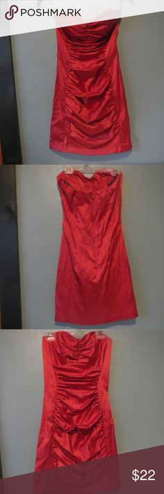 Sexy Red Dress!! Sexy strapless red mini dress.  Rouching  in front on center panel, tight & form fitting.  Great condition!  Perfect for a night out!! Jessica McClintock Dresses