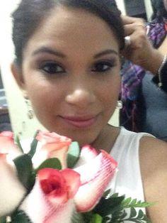 Evelyn Azabache preparándose para la boda.