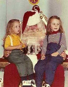 This Santa looks like he is holding back a bad case of the hangover barfs: 23 Disturbing Santa Claus Photos That Will Wreck Your Christmas Vintage Christmas Photos, Christmas Past, Vintage Holiday, Christmas Pictures, Family Christmas, Santa Claus Photos, Santa Pictures, Bad Santa, Funny Awkward Photos