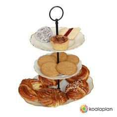 "DIY cake stand by www.koalaplan.com with ""round black"""