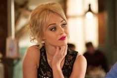 First Look Hollyoaks on 4th March: Theresa McQueen tries to seduce Darren- Theresa is about to tell Darren the truth #Hollyoaks @misJORGIEPORTER @ashoztd