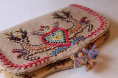 Le petit cerf: small pouch / clutch with deer embroidery | Facile Cécile