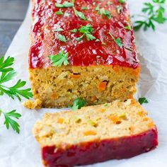 "easy recipe for the best vegan meatloaf, made with a base of chickpeas. This ""meatloaf"" isn't mushy and is beautiful for serving! Vegetarian Meatloaf, Vegetarian Dinners, Meatloaf Recipes, Vegan Vegetarian, Vegan Foods, Vegan Recipes, Cooking Recipes, Vegan Meals, Galletas Ritz"