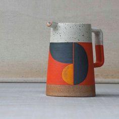 983 mentions J'aime, 17 commentaires - Pawena Thimaporn ( sur In. Ceramic Pottery, Ceramic Art, Ceramic Pitcher, Ceramic Mugs, Earthenware, Stoneware, Keramik Design, Design Café, Modern Design