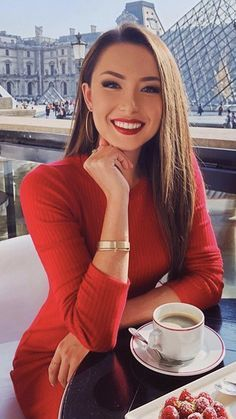Lady in red Sexy Coffee, Coffee Girl, Jessica Ricks, Tumbrl Girls, Beautiful Smile, Look Fashion, Gorgeous Women, Lady In Red, Asian Beauty