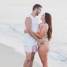 Husband's Love Note To His 'Curvy' Wife Should Be Required Reading Mode Plus, Girl Couple, Chubby Girl, Real Women, Bikini Girls, Husband, Photoshoot, Guys, Couples