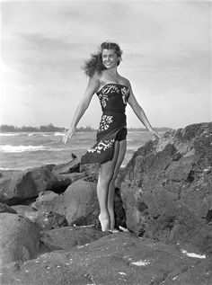 Swimming champion turned actress Esther Williams died at 91, her publicist said. (via @The Associated Press)