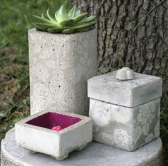 CONCRETE CRAFTS :: Inspiration...how did they make the pattern? So cool! I know…