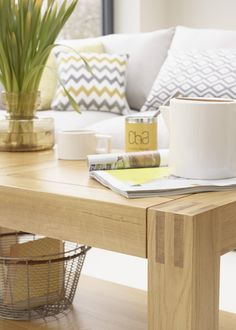 The Alto Solid Natural Oak Coffee Table is the ideal combination of style, practicality, and durability. Placed in any living space, the table is ideal for serving coffee, cocktails, or whatever you fancy. Below the tabletop you'll find a large shelf that's perfect for storing magazines, newspapers, or remote controls.