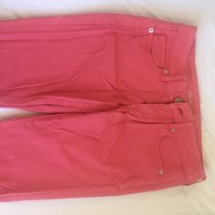 American eagle bright pink skinny jeans Very pretty pink (kind of dark coral) jeans with quite a bit of stretch. Love these! Worn a few times but no super notice wear on the fabric.💕💕💕 make an offer please💕💕 American Eagle Outfitters Pants Skinny