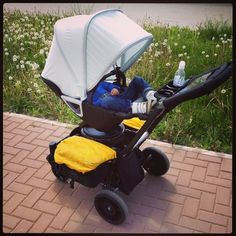 orbit baby - with pannier bags Orbit Baby, Bicycle Bag, Baby Strollers, Car Seats, Panniers, Children, Bags, Baby Prams, Young Children