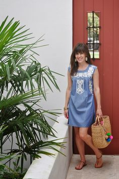 @ToryBurch dress + @JADEtribe beach basket + @kendrascott earrings
