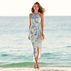 Forever New floral wrap dress Cute Fashion, Teen Fashion, Fashion Looks, Fashion Outfits, Beach Fashion, Beach Wedding Guest Attire, Wedding Guest Looks, Forever New Dress, Wrap Dress Floral