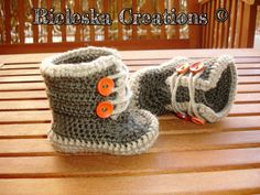 PDF Pattern Crochet boots for baby 3-6 months  *Worsted weight yarn and hook size: 3,50mm*  Price is for the PATTERN only, not the finished product.