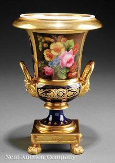 Old Paris porcelain vase with gilt, French verse a : Lot 38
