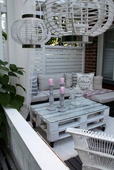 (notitle) - Home sweet home - Balcony Furniture Design Palette Garden Furniture, Balcony Furniture, Pallet Furniture, Outdoor Furniture Sets, Outdoor Balcony, Outdoor Spaces, Outdoor Decor, Parasols, Patio Umbrellas