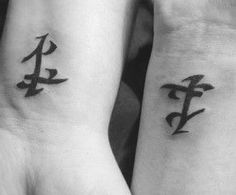 Forever wishing runes were a thing so I could have a parabatai Alec Lightwood Aesthetic, Jace Lightwood, I Tattoo, Cool Tattoos, Tatoos, Tattoo Quotes, Mortal Instruments Tattoo, Shadowhunter Tattoo, Julian Blackthorn