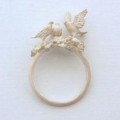 Three Birds ring by Simmon. #White #Bird #Ring #Jewellery #Jewelry