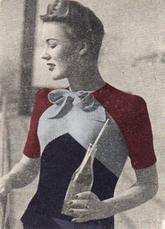 Vitage bow sweater from the 1940's in navy, blue and red