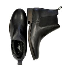 Sensational #boots making their way into #Nicci stores #trend #fashion #chic