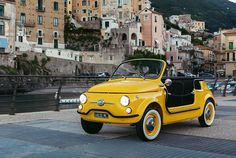 Fiat 500 Jolly Spiaggina e-Icon: 'You too can sample la dolce vita' Fiat 500 Cabrio, Beach Buggy, Fiat 600, Old School Cars, Cute Cars, Car Rental, Beach Babe, Luigi, Monitor