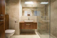 łazienka z podłogą imitującą drewno - Szukaj w Google Toilet, Bathroom, Design, Garage, Space, Google, House, Washroom, Carport Garage