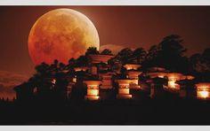 "Gefällt 262 Mal, 18 Kommentare - Karan Gurung (@k.for.karan) auf Instagram: ""Lunar eclipse at dochula2018. -""what if?"" #ig_bhutan #amazing_bhutan"""