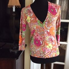 Talbots Cardigan sz XS Beautiful print and colors on this in good condition. Gold buttons in front all there. Light weight 3/4 sleeve perfect for spring & summer. Talbots Sweaters Cardigans