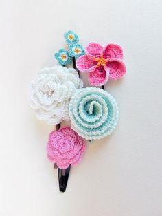 Flower Hair Pin Set of 5 in Pink Aqua Crochet. Bridal by goolgool