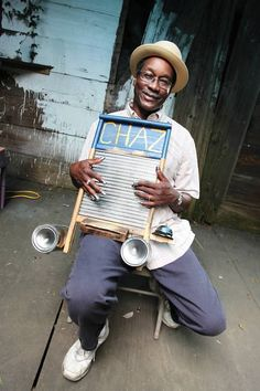 New Orleans Jazz Musician: Washboard Chaz...gotta love his face! What a smile.