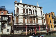 Palazzo Giustinian Lolin -- Grand Canal, Venice, Italy #education #MuseumPlanet Rome Florence, Grand Canal Venice, Unique Architecture, Most Beautiful Cities, Architectural Elements, Venice Italy, City Life, Travel Pictures, Palazzo